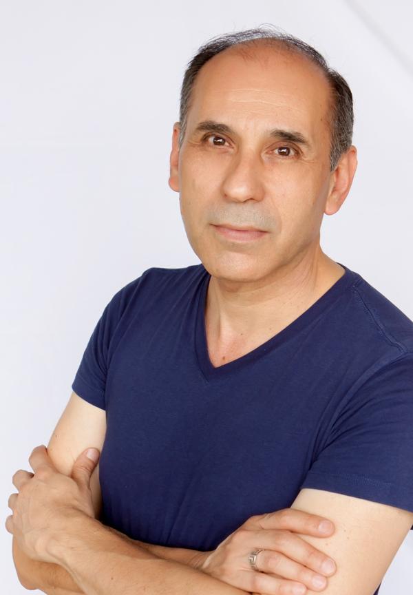 José Rubén De León